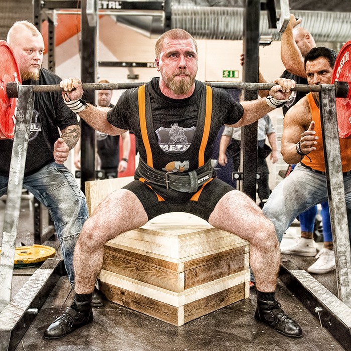 Metal powerlifting